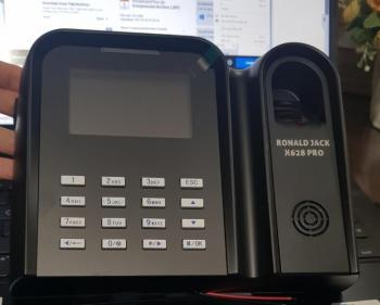 Máy chấm công vân tay, thẻ từ RONALD JACK X628 PRO